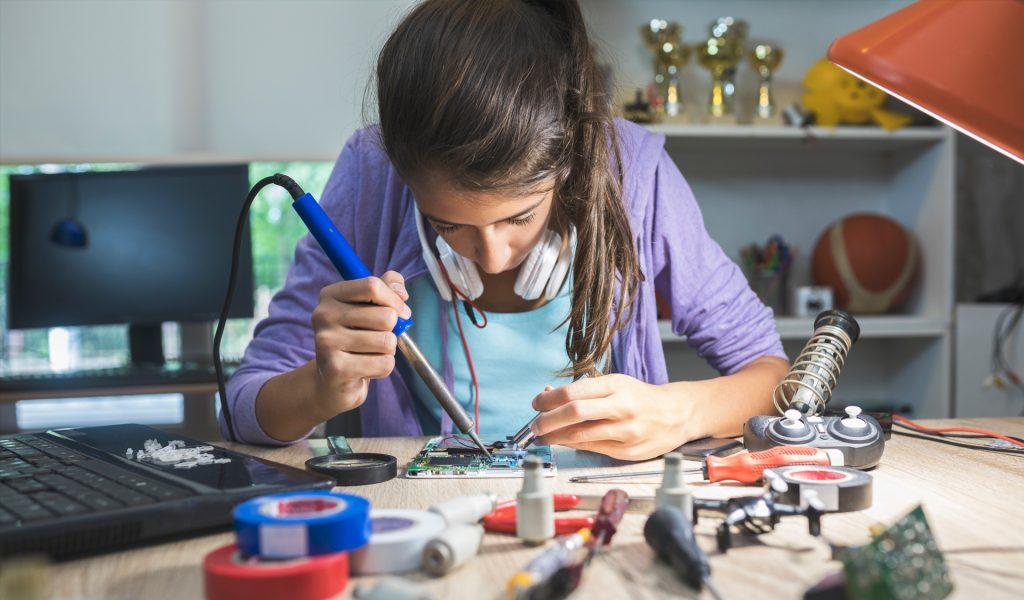 تحصیل مهندسی برق در کانادا